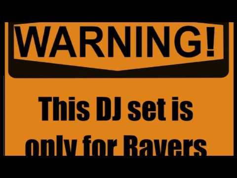 BEDROOM RAVE: A Banger DJ Mix [Groove House, Eletro House, Melbourne Bounce]