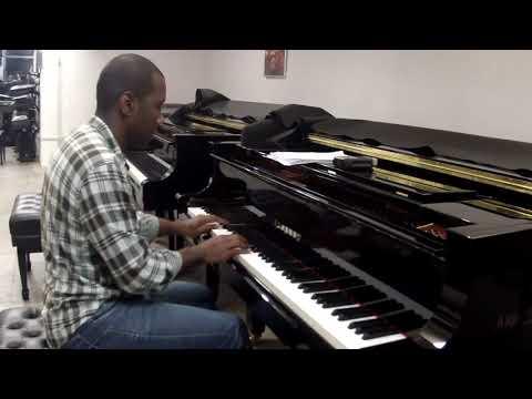 "<span class=""title"">Bordões ao Luar (Tia Amélia) - |Hercules Gomes, piano|</span>"