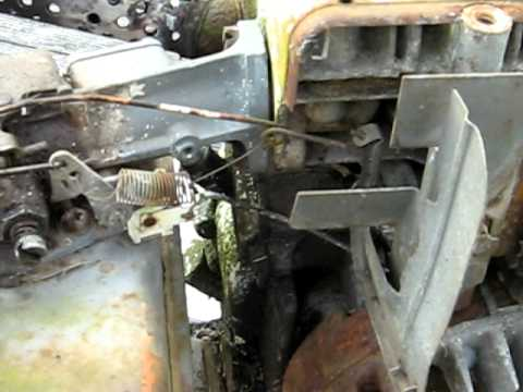 Briggs 80202 (3 horse) Governor Linkage Operation - YouTube