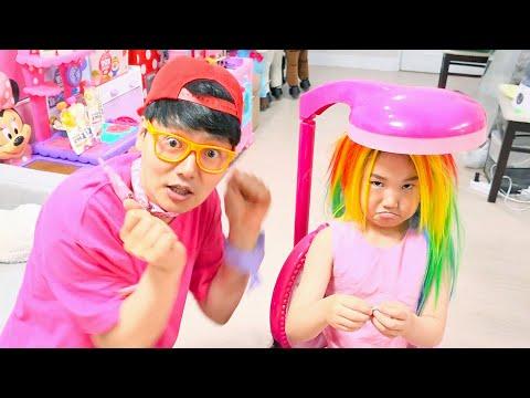 氤措瀸鞚挫潣 霛柬懠鞝� 瓿奠< 氙胳毄鞁� 雴�鞚� Princess Rapunzel and play with makeup toys