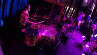 Baixar Evenflow - Live Performance (More Cam)