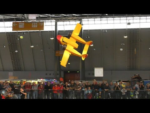 STUNNING LIGHTWEIGHT RC MODEL AIRPLANE IN GREAT FLIGHT DEMONSTRATION!!