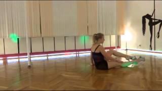 Элементы танца на полу. Кувырки