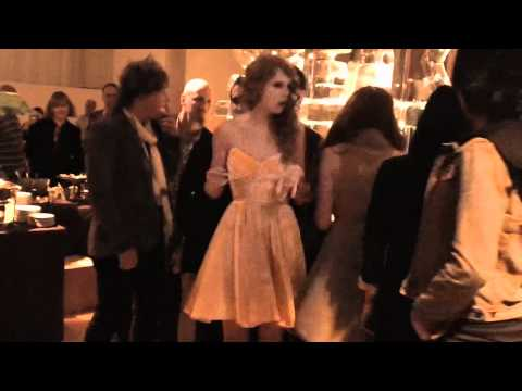 Taylor Swift Speak Now Fan Video : Nashville, TN