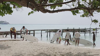 Surf lessons in Thulusdhoo, Maldives
