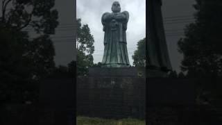 鹿児島空港前の西郷隆盛像.