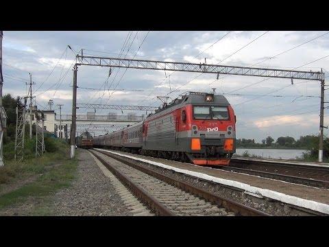 Электровоз ЭП1М-703 с поездом №198 Иркутск — Кисловодск