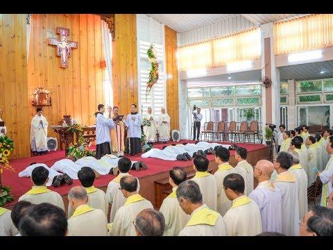 Thánh lễ phong chức Phó tế và Linh mục ngày 8-4-2018