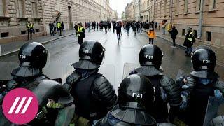«Сломанные ноги и электрошок». «ОВД-инфо» о самых жестких задержаниях на акциях за Навального
