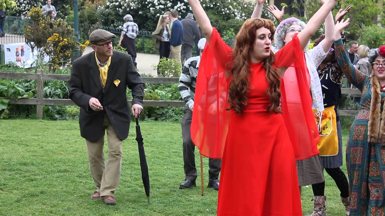 Kate Bush 'Wuthering Heights' Reenactment: 300 Lookalikes
