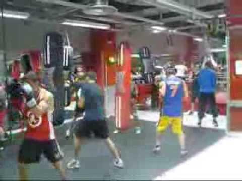 Entrenamiento boxeo en gimnasio club liceo team schuster for En el gimnasio