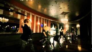 着うた(R)配信中! http://recochoku.com/rs/alicenine/ 無限のスケール感ときらめくメロディー。 ロックバンドAlice Nineの核を示すニューアルバム!