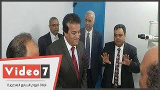 وزير التعليم العالى فى جولة بمدينة الأبحاث العلمية ببرج العرب