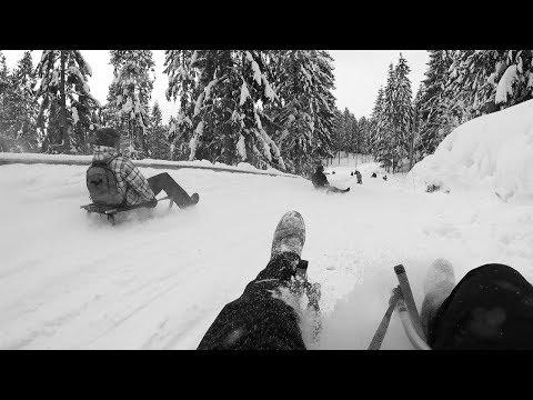 Oslo Travel Guide: Downhill sledding at Korketrekkeren