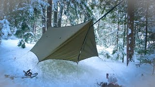 4 WALLED FLOATING SHELTER-My Fiŗst Time Winter Camping in a Hammock - CAN I STAY WARM?