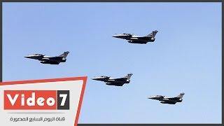 بالفيديو.. الطائرات الحربية تزين سماء الجيزة احتفالا بذكرى ثورة 30 يونيو