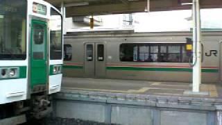羽前千歳駅 仙山線と山形線同時発射