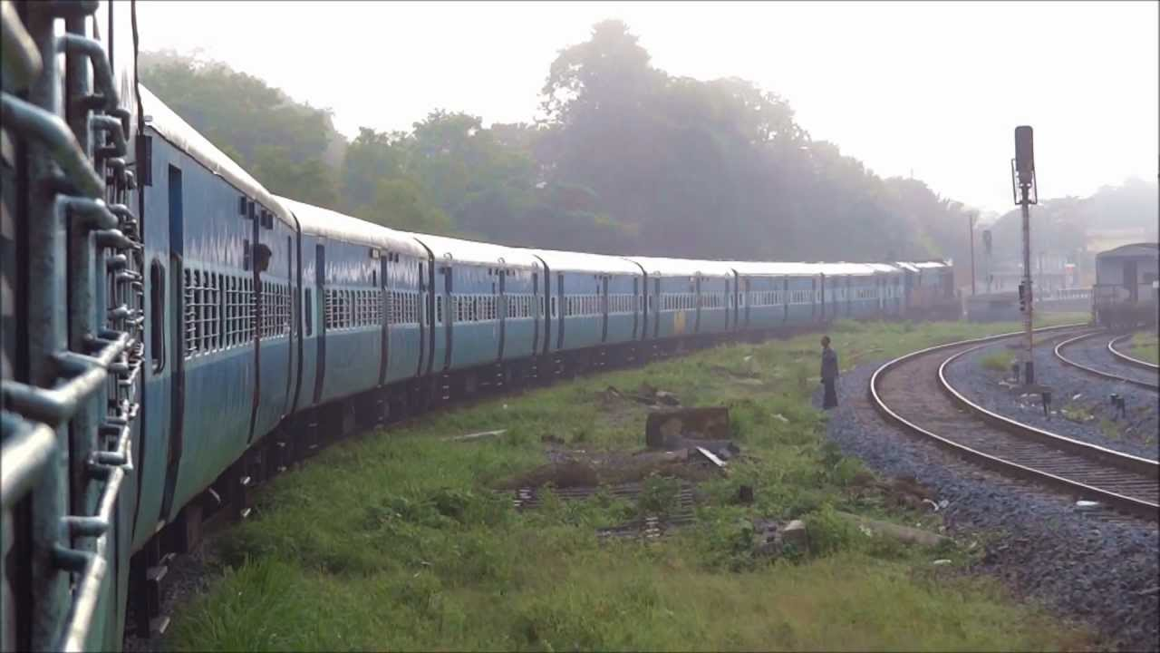 VERNA PASSENEGR CHUGGING TOWARDS MANGALORE JUNCTION 56640