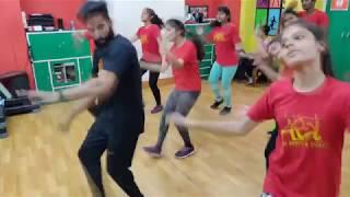 Akh Lad Jaave   Loveyatri   Dance Choreography