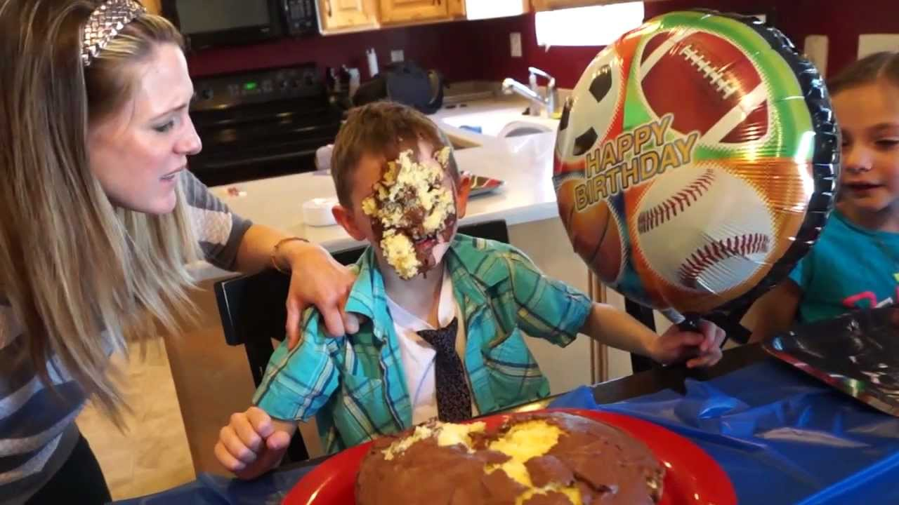 Epic 7 Yr Old Birthday Cake Scene