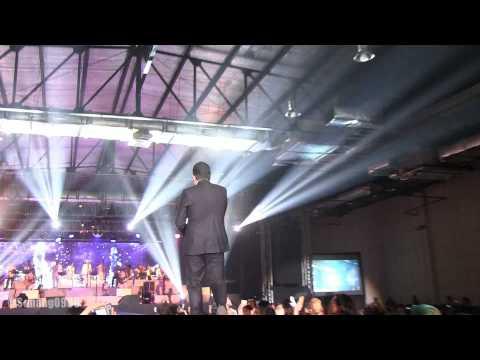 Tulus - Sepatu @ Konser Gajah Jakarta [HD]