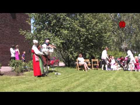 Midsommarfirande 真夏の前夜祭 Typical Traditional Swedish Midsummer Celebration