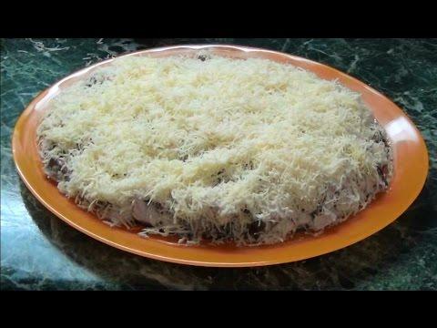 Салат Нежный из филе индейки с ананасом и грибами