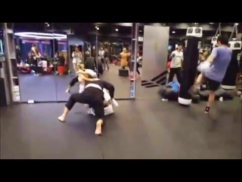 Brazilian Jiu Jitsu rolling in HK   Black vs Brown