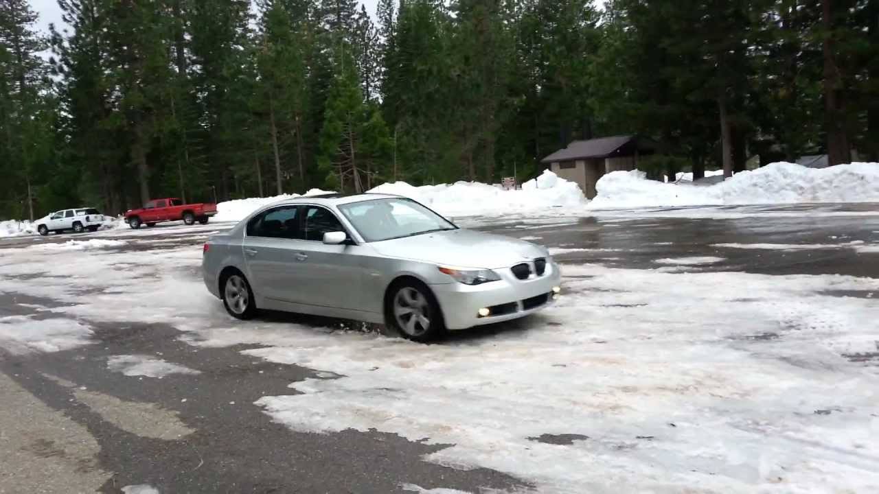 2007 bmw 530i snow drifting youtube. Black Bedroom Furniture Sets. Home Design Ideas