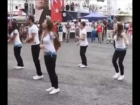 Aamdar Zalya Sarkha VatatyMarathi Lokgeet DJ dance video
