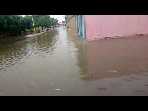 Moradores cobram soluções para alagamentos na cidade de Sítio do Mato