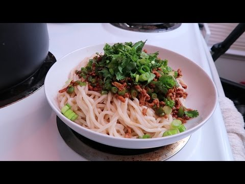 Easy Spicy Turkey TanTan (DanDan) Noodles - Easy Recipes Eps 22