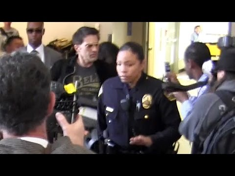Olivier Martinez Shoves And Injures LAX Employee While Arriving With Family