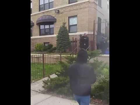 Shit crazy East Orange, NJ police shooting at the 6v6y locs...