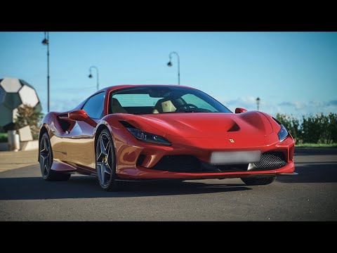 Красная и классная Ferrari F8 Spider