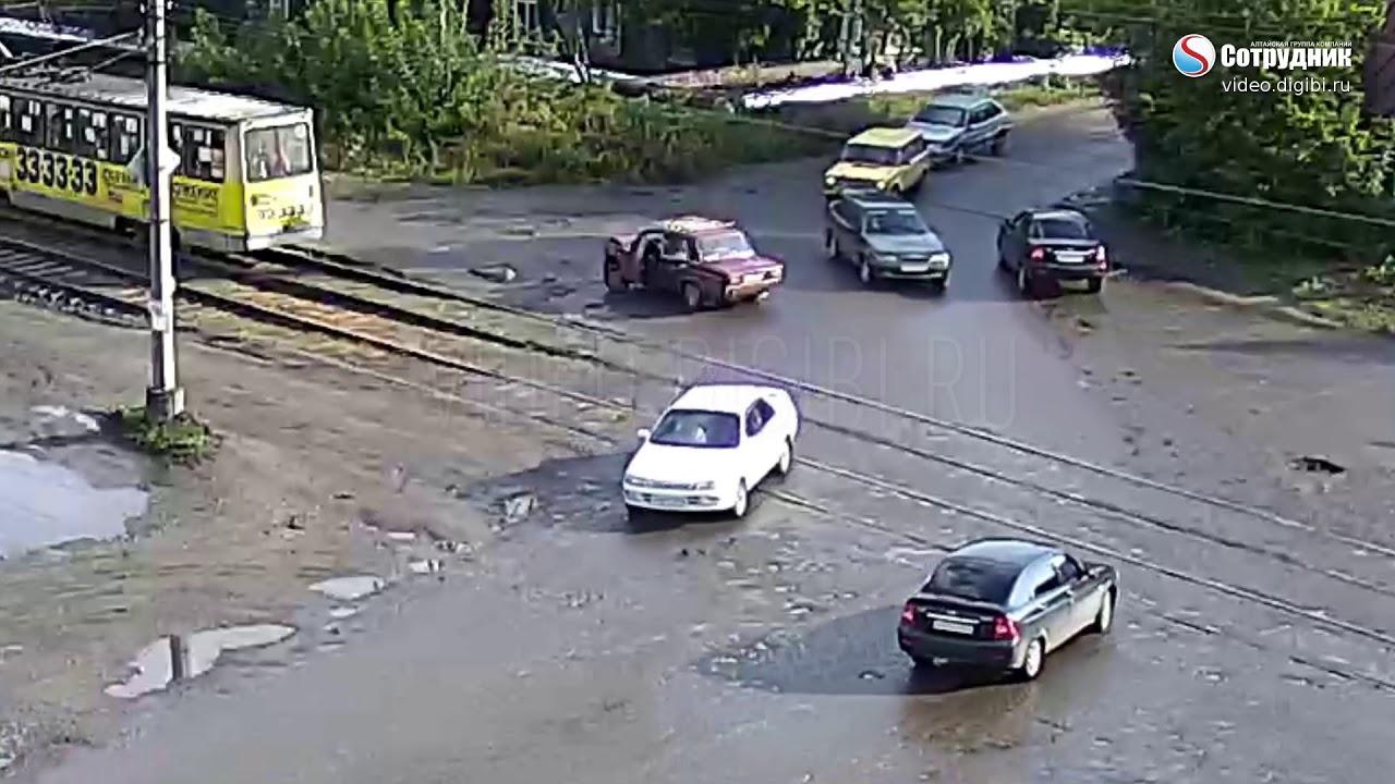 ДТП Бийск на перекрестке ул. Ударная Мартьянова 11.09.2017