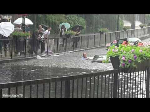 Cars submerged as flash floods hit south east London   BBC News