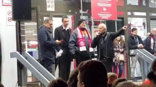 FC Bayern: Chaos bei der Jahreshauptversammlung - Halle dicht
