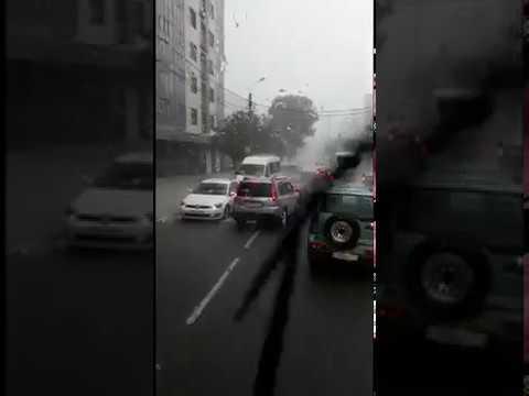 Новороссийск. Водители разворачиваются из-за затопления ул.Энгельса