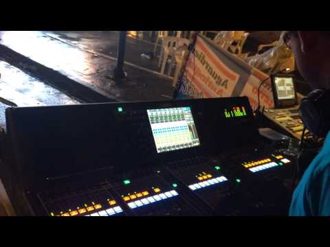 Mezclando Jorge Celedon en Yamaha CL5 Víctor Herrera