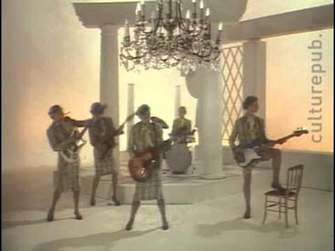 Publicité Eram de 1982 - Le groupe des cinq