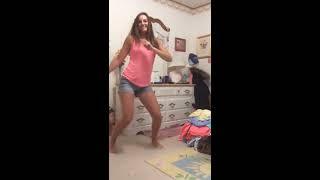 HOT WHITE GIRL TWERK WHIP AND NAE NAE DANCE