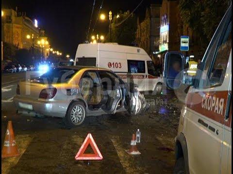 Дракой обернулось ДТП с пострадавшими в центре Хабаровска.Mestoprotv