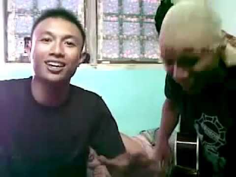 Briptu Norman Kamaru nyanyi lagu kerispatih - kita dan dunia ( Polisi Gorontalo menggila )