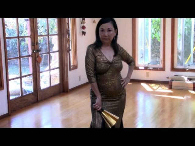 Golden Fan of Menopause, haiku performance by Genie Nakano