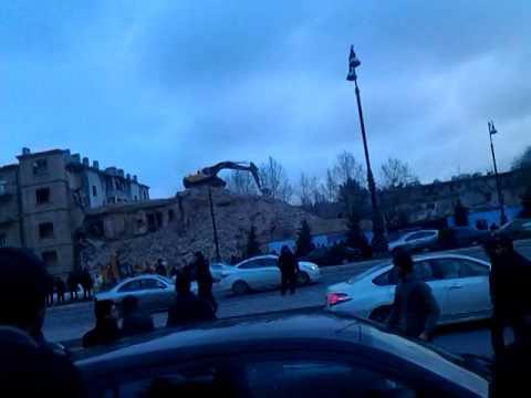 obrushenie snosimogo doma na pr.G.Aliyeva