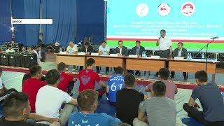 Айсен Николаев встретился со сборной Якутии по вольной борьбе