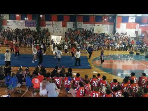 ST LOUIS CATHOLIC HIGH SCHOOL MOM DANCE 2018-2019