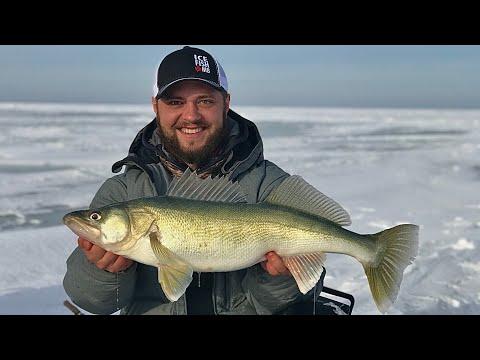 Run & Gun Ice Fishing Trophy Lake Winnipeg Greenback Walleye
