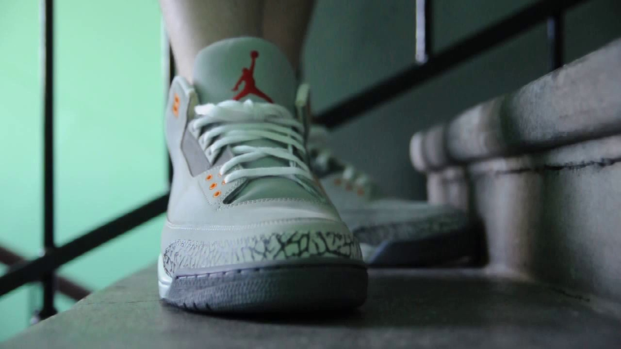 e83c9443590edf 2006 Air Jordan 3 (IV) Retro LS   Cool Grey   on feet. womft - YouTube